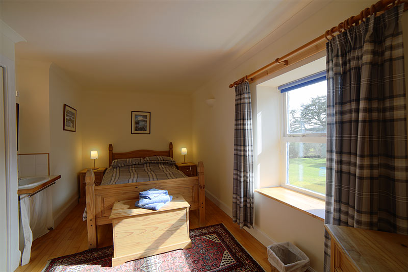 Double bedroom Holiday Cottage Mull